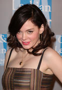 http://img252.imagevenue.com/loc34/th_752407414_Rose_McGowan_april242009_022_122_34lo.jpg