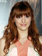 http://img252.imagevenue.com/loc39/th_177666804_BellaThorne_TheVow_HollywoodPremiere_9_122_39lo.jpg