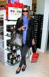 Nicky Hilton - Страница 4 Th_80238_celebrity_paradise.com_TheElder_NickyHilton2010_03_19_stopsbyTheSugarFactory3_122_431lo