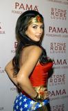 [IMG]http://img252.imagevenue.com/loc468/th_64663_kim-kardashian-ween-10308-5_122_468lo.jpg[/IMG]