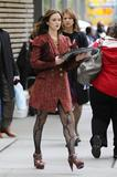 http://img252.imagevenue.com/loc510/th_54632_Leighton_Meester_on_the_set_of_Gossip_Girl2_122_510lo.jpg
