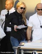 Nov 15, 2010 - Britney Spears shopping at Topanga Plaza Mall in Hollywood (24 MQ + 15 HQ) Th_05068_Forum.anhmjn.com_009_122_534lo