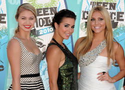 Кэсси Сербо, фото 4. Cassie Scerbo - The 2010 Teen Choice Awards at the Gibson Amphitheatre, Universal City in LA, photo 4