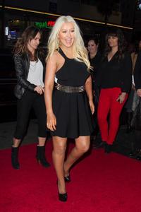 [Fotos+Videos] Christina Aguilera en la Premier de la 4ta Temporada de The Voice 2013 - Página 4 Th_986140281_Christina_Aguilera_83_122_65lo