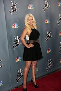 [Fotos+Videos] Christina Aguilera en la Premier de la 4ta Temporada de The Voice 2013 - Página 4 Th_986033652_Christina_Aguilera_63_122_74lo